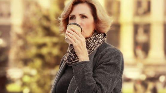 Напълняване при менопауза – причини и рискове