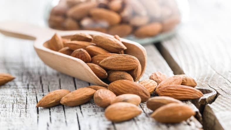 Превенция на остеопороза с подходящи храни