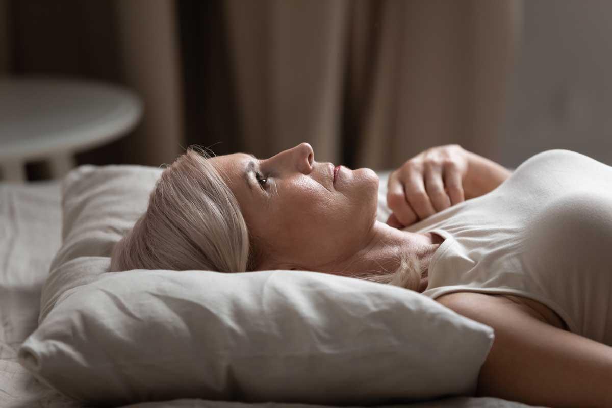 Климакс и безсъние – как да си върнем добрия сън?