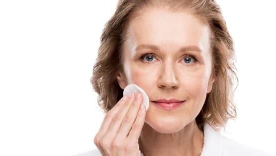Промени в женската кожа по време на менопауза