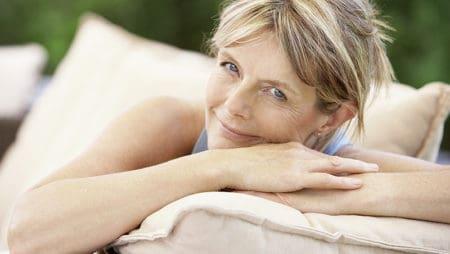 Пушене – как влияе на жени във или близо до менопауза?