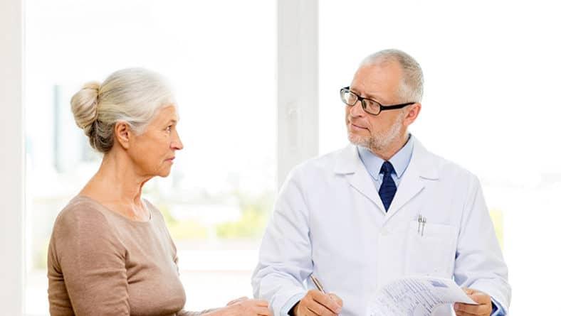 Жени след менопауза – рискът от остеопороза е голям