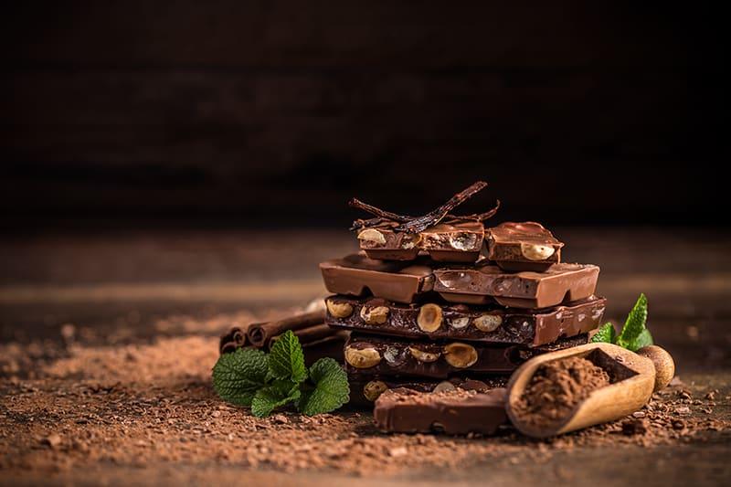 Постменопаузални жени и отслабване с шоколад